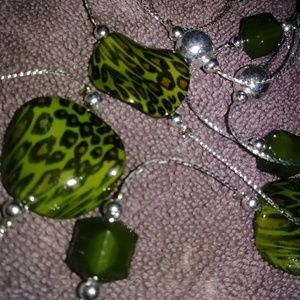 Jewelry - Green & Silver 🆕 Necklace